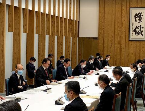 12/9(水)第一回中堅企業・中小企業・小規模事業者の活力向上のための関係省庁連絡会議に出席。(官邸)、地元商工会の皆様から要望を受ける。