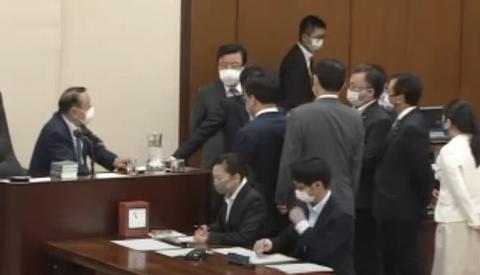 5/8(金)内閣委員会、国土交通委員会に出席。