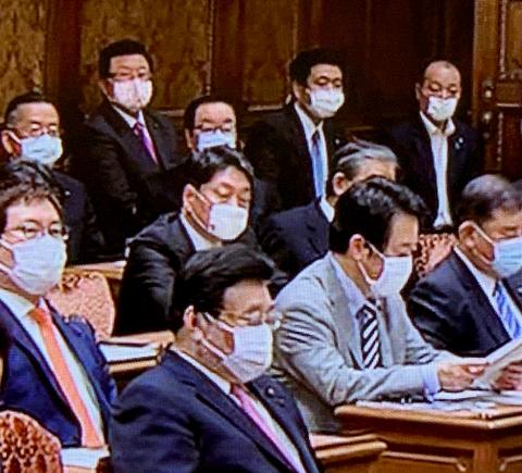 5/11(月)午前、予算委員会の与党質疑に出席。