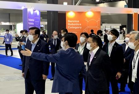 9/9(木)経産省・NEDO主催のワールドロボットサミット2020・開幕式での開会挨拶と会場視察。(常滑市国際展示場)
