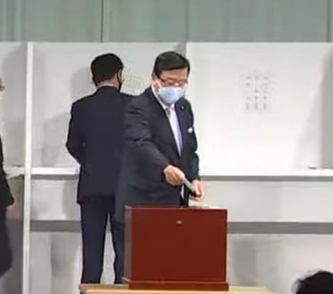 9/14(月)自由民主党総裁選挙で菅義偉衆議院議員が総裁に選出されました。